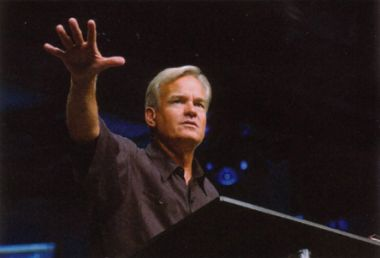 Bill Hybels told his congregation he jumped at the chance to tithe 10 ...