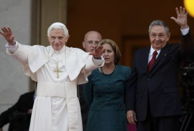 Pope Benedict XVI and Cuban President Raul Castro walk outside the ...