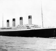 The RMS Titanic leaving the port at Southampton