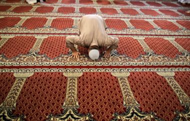 Many Muslim converts to Christianity in the Middle East report seeing ...