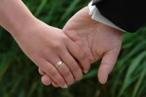 Bishop urges Government to support marriage