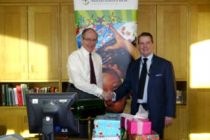 Sir Malcolm Rifkind and Colin Bloom with the Christmas shoeboxes ...