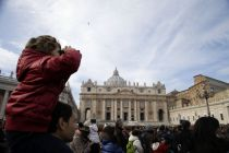 Vatican must 'remove' all suspected child abusers, says UN
