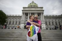 US appeals court upholds gay marriage bans, reversing trend
