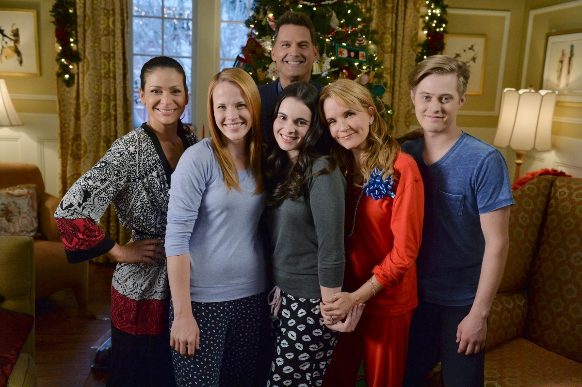 Switched For Christmas Cast.Switched At Birth Christmas Special Set To Air On Abc