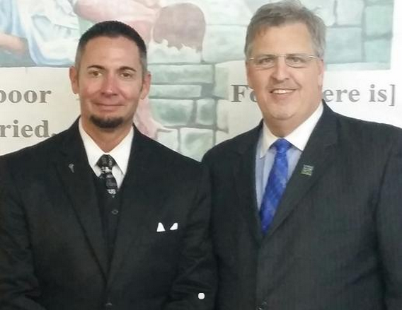 Pastor donates his own kidney to save a stranger | Christian