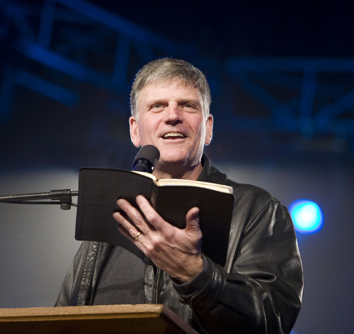 Franklin Graham stresses the importance of memorizing the