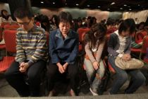christians-in-a-house-church-in-china