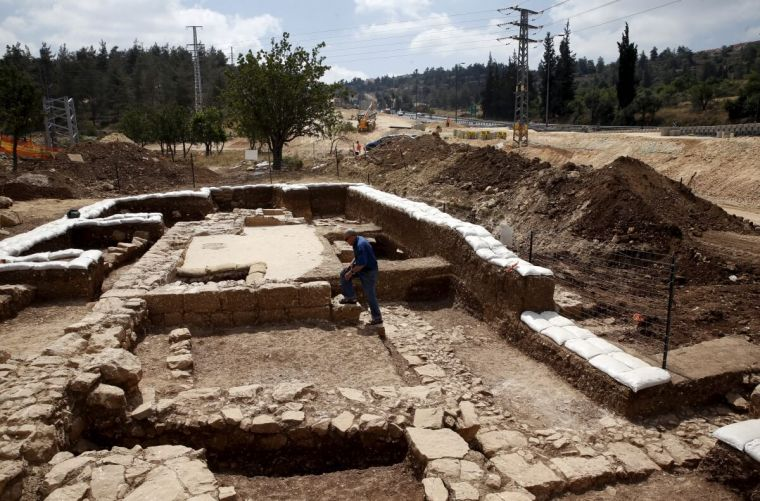cross dating in archaeology Archaeology: archaeological terms: acropolis, alignment a megalithic chamber tomb or dolmen cross-dating a method of dating objects, remains, etc.