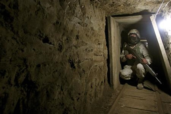 Mexican tunnels into US