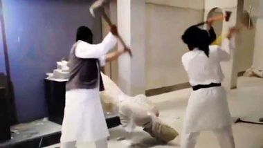 ISIS destroying artefacts