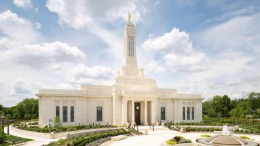 Mormon temple in Indiana