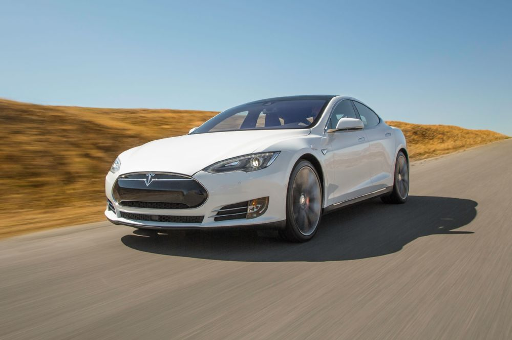 tesla model s p90d 39 ludicrous mode 39 enables car to go from 0 60 in under 3 seconds. Black Bedroom Furniture Sets. Home Design Ideas