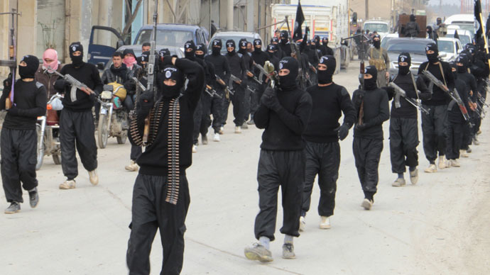 Marching ISIS fighters