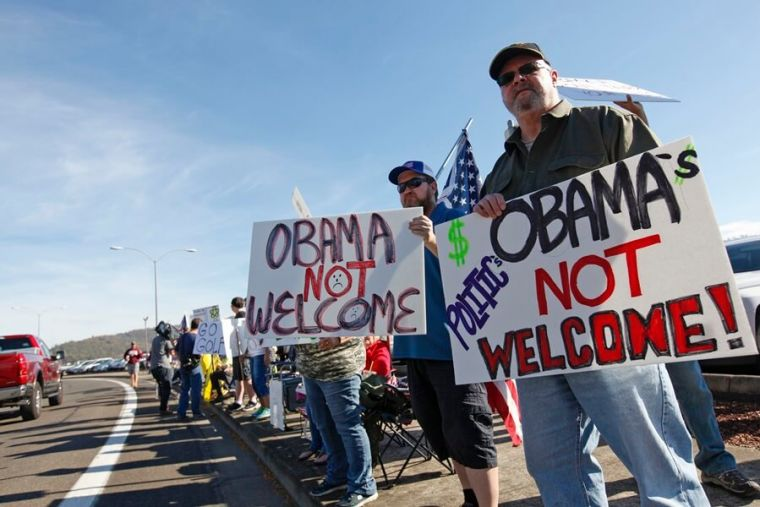 Oregon gives Obama chilly reception