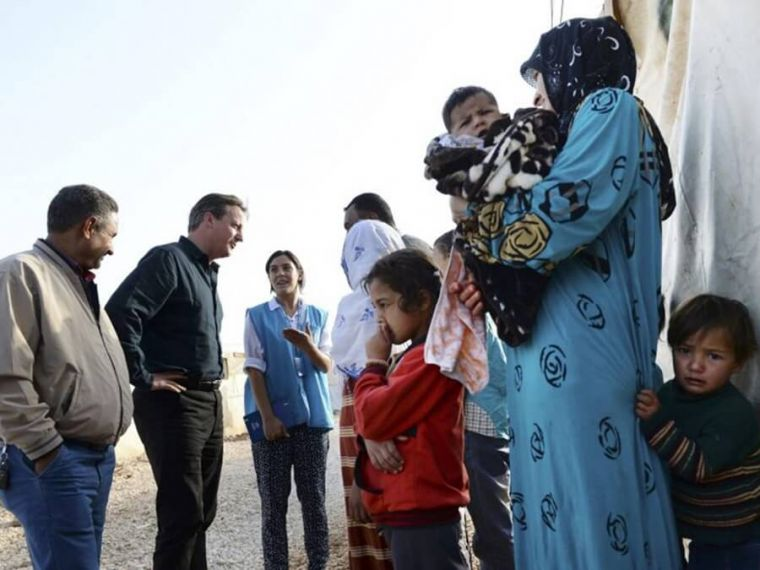Cameron meets Syrian refugees in Jordan