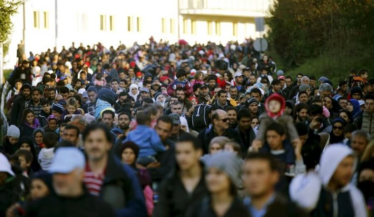 Migrants heading to Austria