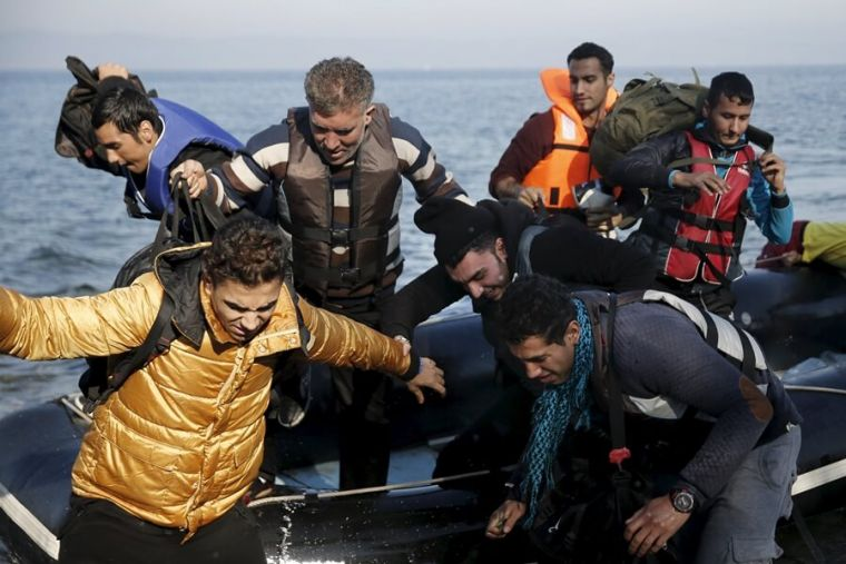 All-male refugees arrive in Greece