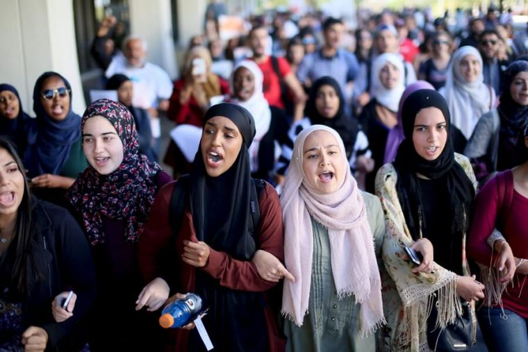 characteristics of refugee students and effects 2018-07-19 environmental effects on cognitive development  many different characteristics can encourage individuals to take a stand,  graduate students should have a background in behavioral science and some research experience.