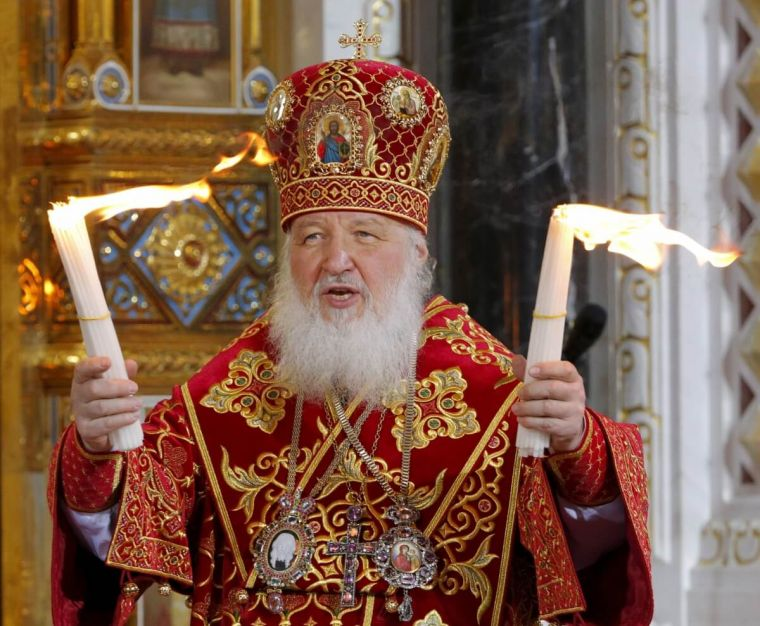 Patriarch Kirill is the first to receive an Orthodox luxury phone 01/19/2017 100