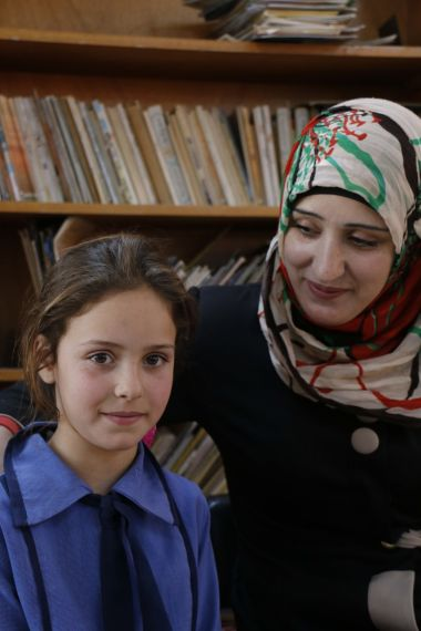 Syria mother and daughter