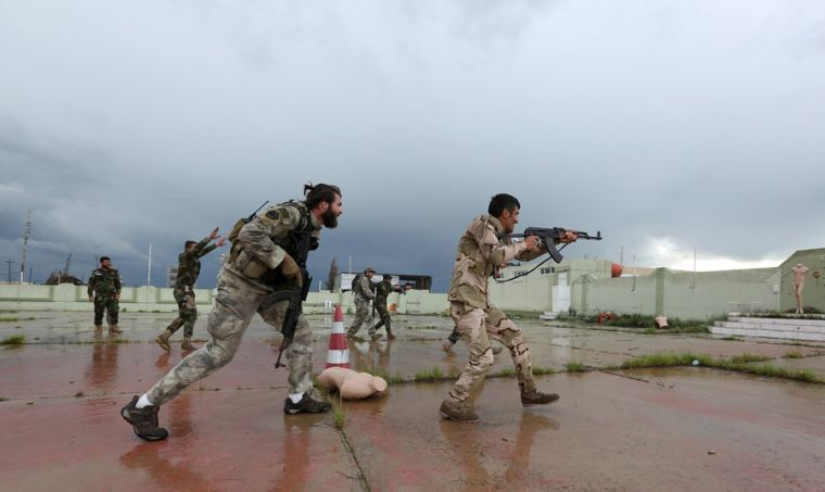 Christian fighters join Kurds in Iraq