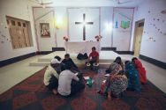 pakistani-christians-sing-hymns-in-gojra-punjab-in-a-neighbourhood-known-as-christian-colony