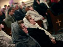 christian-worshippers-in-iran