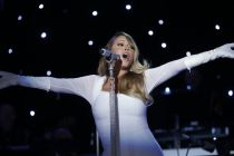 Mariah Carey gives God the credit after winning Billboard Icon Award