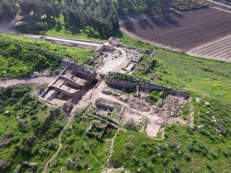 Tel Lachish National Park and the gate
