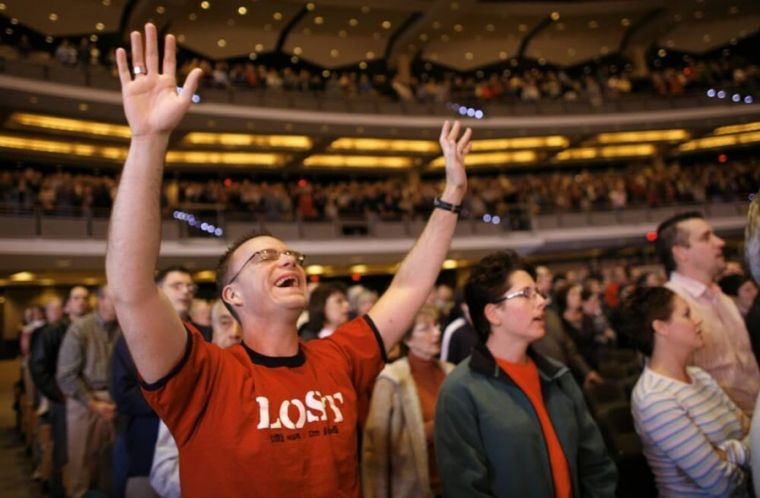 American Christian worshippers