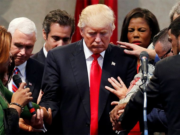 Trump with evangelical leaders