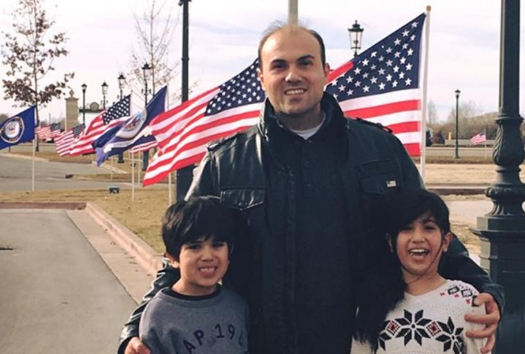 Saeed Abedini with his 2 children