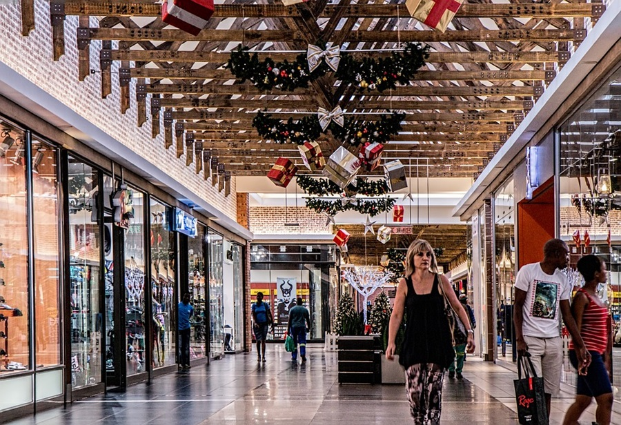 Ban on Religious Christmas Songs Lifted by Florida Mall Following ...