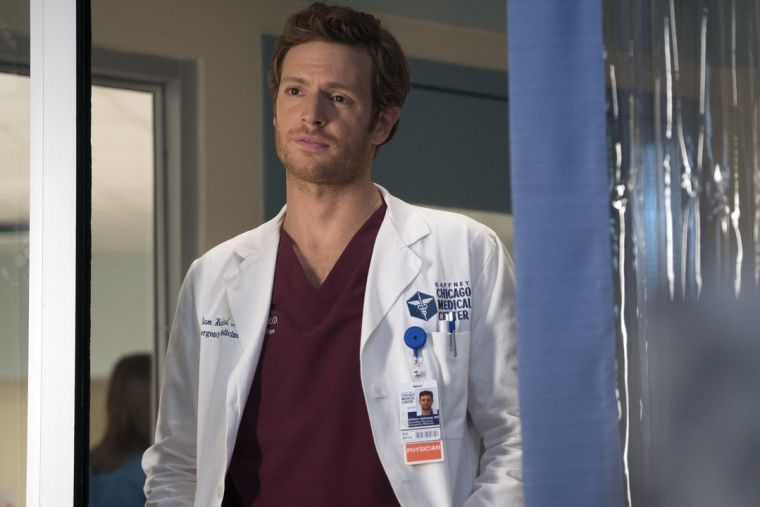 Chicago Med Season 2 Spoilers Romance Still In The Picture For Will And Natalie Sparks Fly With Rhodes And Robyn