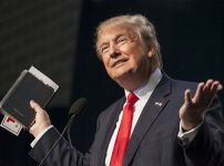 donald-trump-holding-own-bible