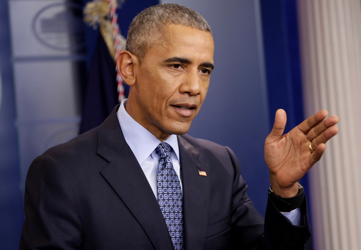 Obama warns against divisiveness on social media
