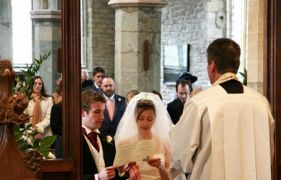 Cult weddings in Church of England buildings could become a reality, bishop warns
