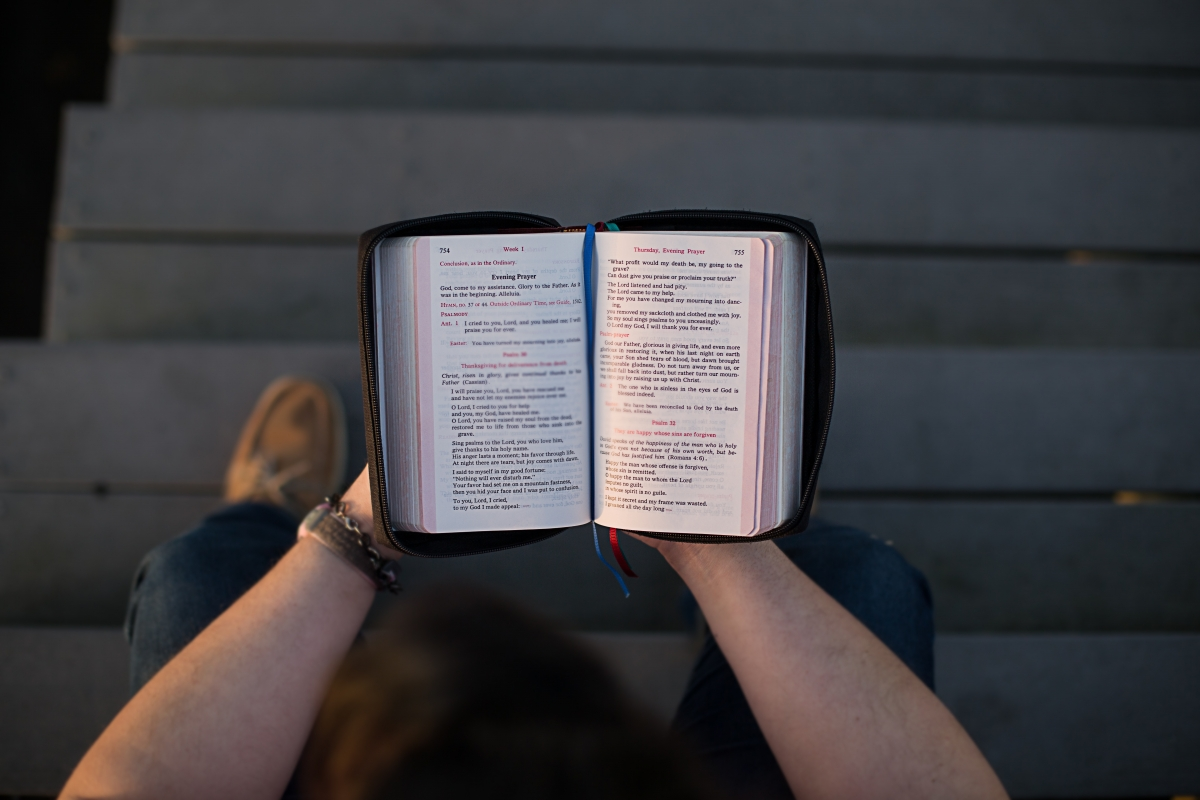 5 Bible Verses To Share With Your Non-believer Friend