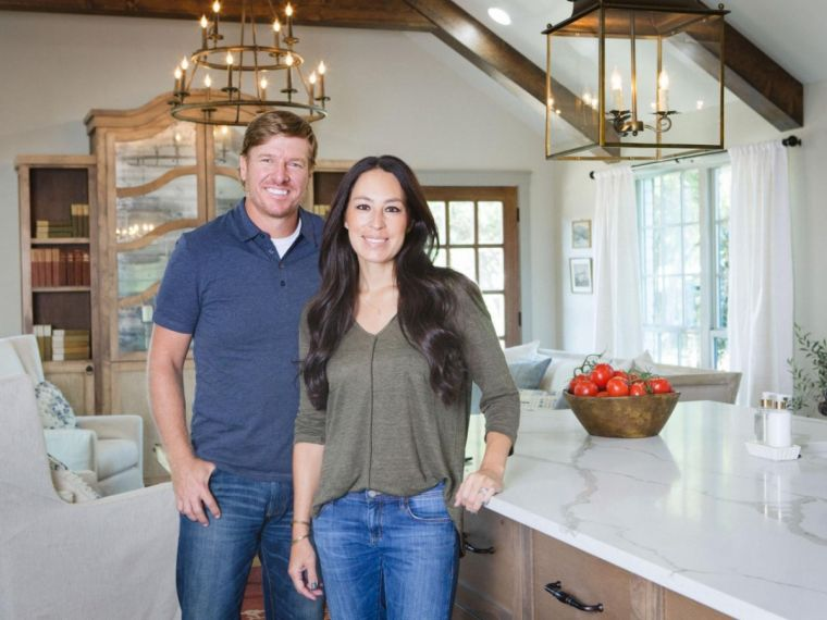39 fixer upper 39 season 5 canceled or renewed what to expect after the confirmation of new spin. Black Bedroom Furniture Sets. Home Design Ideas