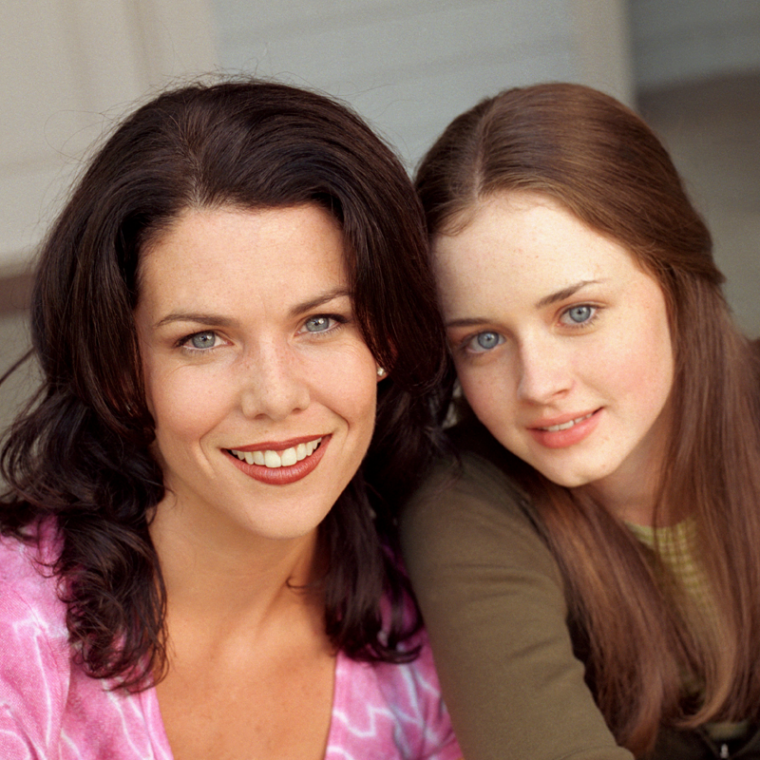 39 gilmore girls 39 revival season 2 rumors lauren graham talks about possibility of more episodes. Black Bedroom Furniture Sets. Home Design Ideas