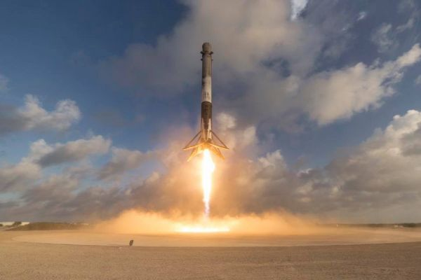 facebook spacexpromotional picture of falcon 9