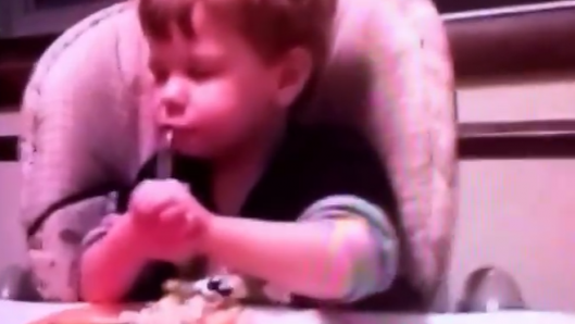 little-boy-closes-eyes-for-mealtime-prayer-but-starts-eating-when-he-thinks-no-ones-watching