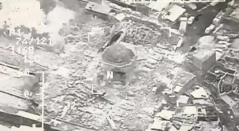 ISIS demolishes historic mosque in Mosul in 'declaration of defeat'