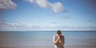 prayer-on-the-beach