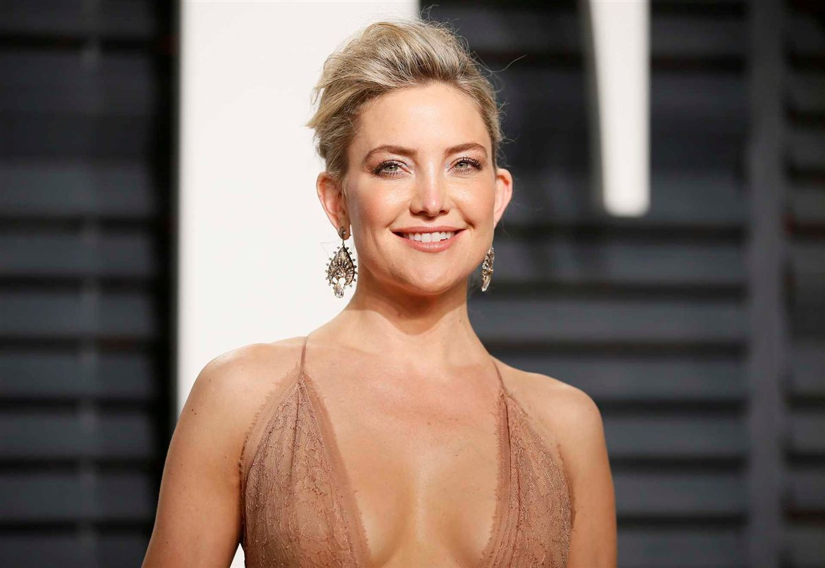Kate Hudson debuts shaved head for secret project with Sia