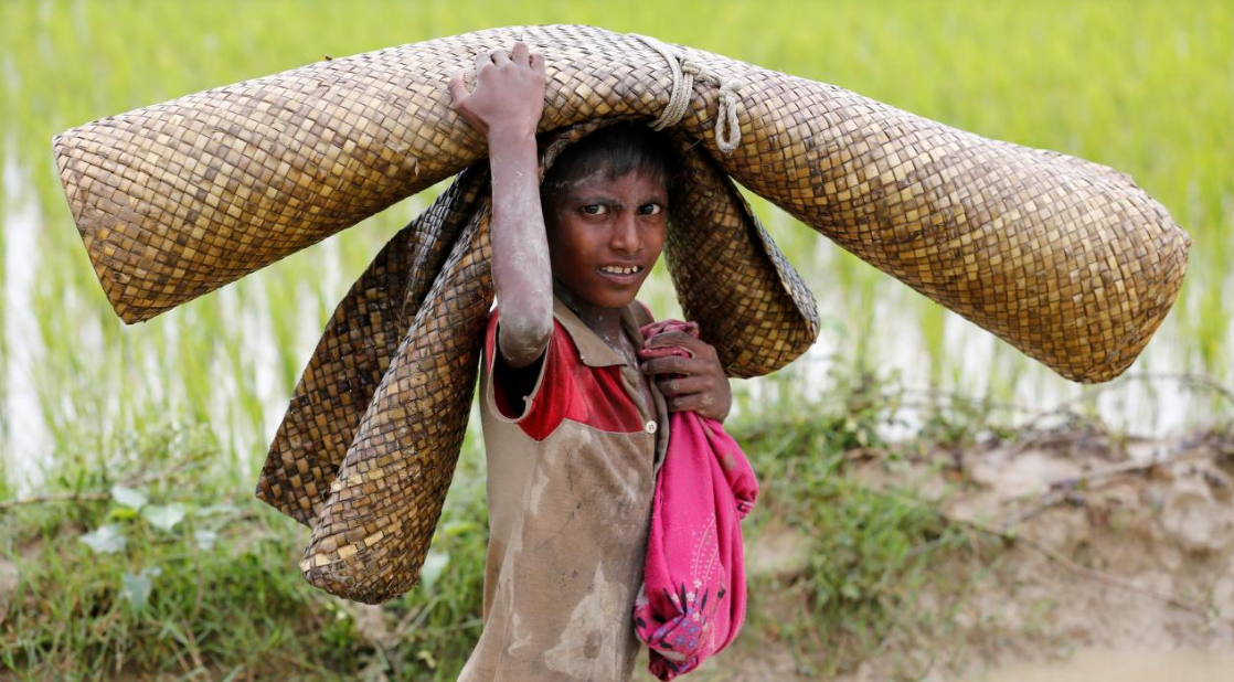 Rohingya refugees pour into Bangladesh; camps at full capacity