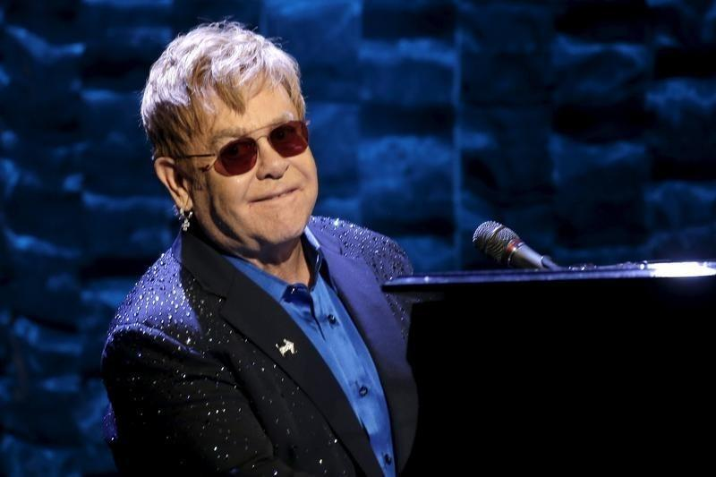 Elton John to embark on 300-date farewell tour