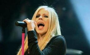 Avril Lavigne releases worship song after near-death experience
