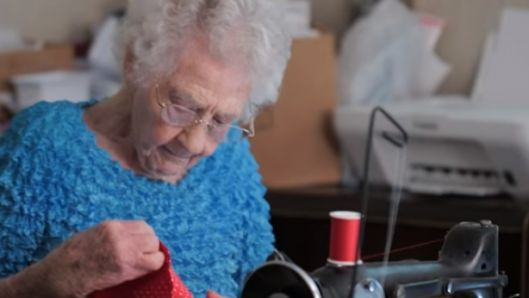 100-year-old-grandma-makes-dresses-for-jesus-prays-over-every-single-one-for-the-little-girl-who-receives-it